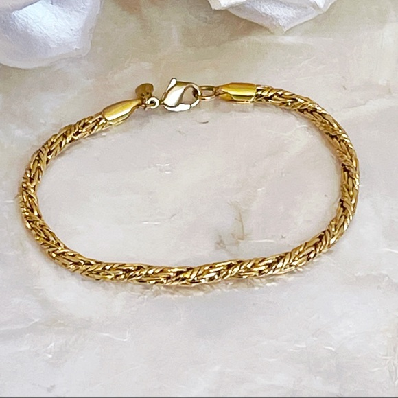 "Vintage Monet Gold Tone Rope Twist 6.5"" Bracelet"